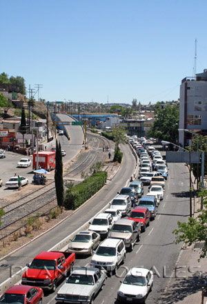 nogales mexico border traffic