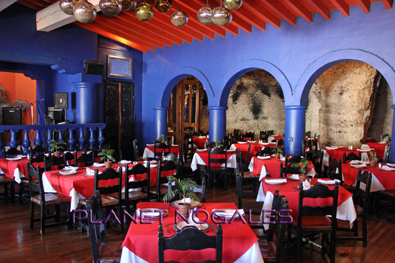Main dining room of La Roca El Balcon in Nogales, Mexico